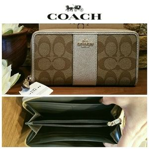 *CLEARANCE SALE* NEW Coach Wallet, Platinum Khaki